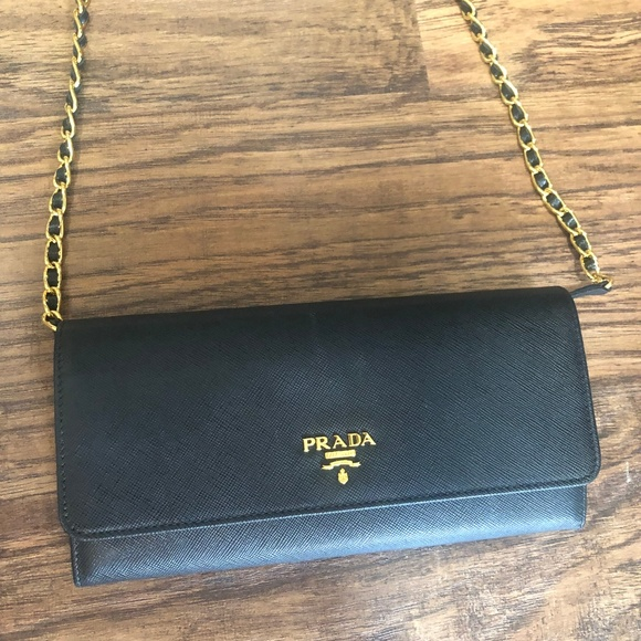705ac8987fdb Prada Saffiano Black Wallet-on-Chain. M_5c867927baebf6924b1d1cb0